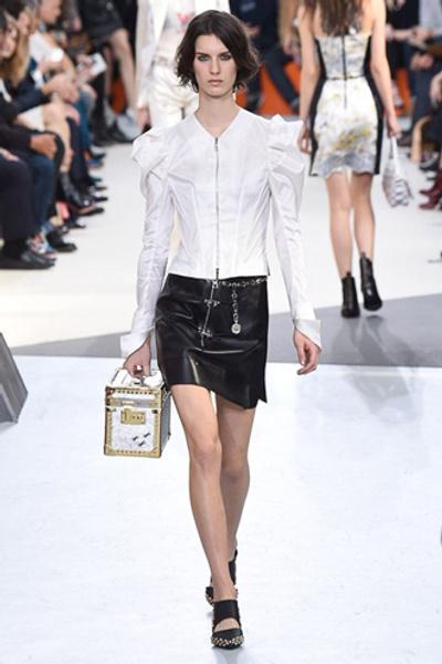 Неделя моды в Париже: показ Louis Vuitton ready-to-wear осень-зима 2015/16 | галерея [1] фото [5]