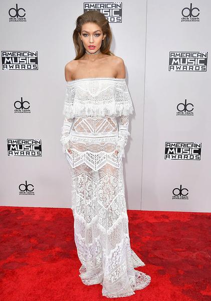 Джиджи Хадид пришла на церемонию в прозрачном платье