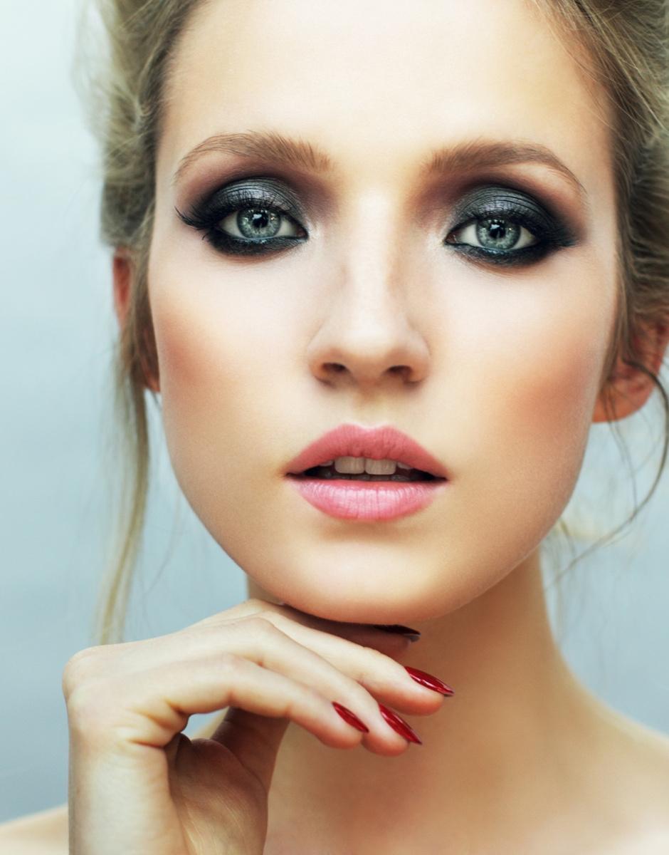 5 беспроигрышных вариантов макияжа на выпускной