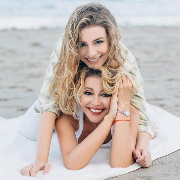 Анжелика Варум с дочерью фото