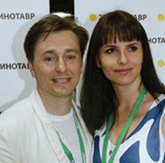 Какая талия! Жена Безрукова поразила фигурой после родов