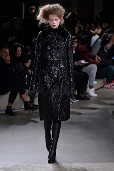 Неделя моды в Париже: показы Alexander McQueen и Paul & Joe ready-to-wear осень — зима 2015-2016   галерея [1] фото [1]