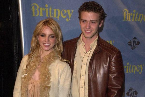 Джастин Тимберлейк и Бритни Спирс, 2001 год