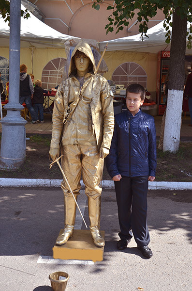 Живые статуи в Калуге