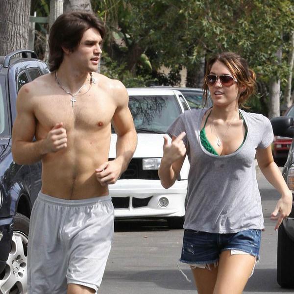 Джастин Гастон и Майли во время пробежки