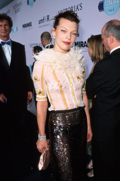Милла Йовович в Каннах, 2000 год