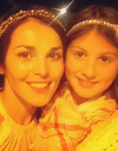 Сати Казанова с племянницей