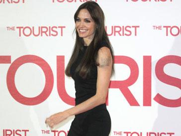 Фильм Анджелины Джоли (Angelina Jolie) выйдет на экраны 23 декабря 2011 года