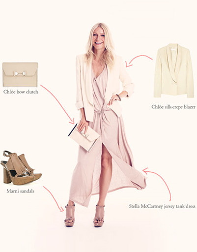Платье с макси-юбкой Гвинет Пэлтроу сочетает с легким жакетом и открытыми босоножками.