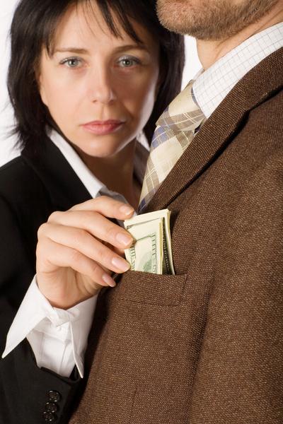 12 миллионов получила сотрудница Morgan Stanley, подавшая иск: ее не продвигали по карьерной лестнице из-за того, что она женщина.