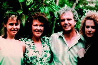 Николь Кидман (Nicole Kidman) с родителями и сестрой