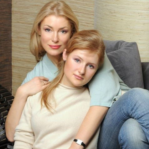 Мария Шукшина стала бабушкой, Дочь Марии Шукшиной Анна крестила сына