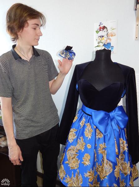 платье куклы Барби