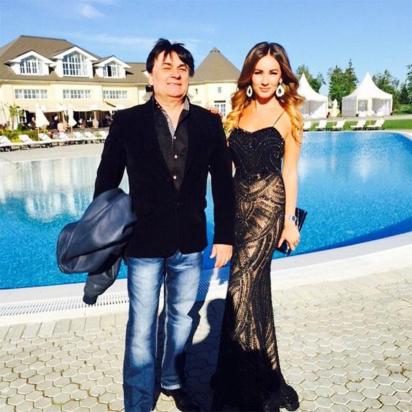 Певец Александр Серов с дочкой Мишель фото