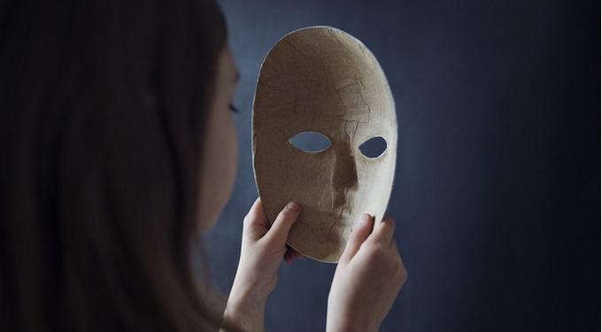 Патологические лжецы: что заставляет их врать?