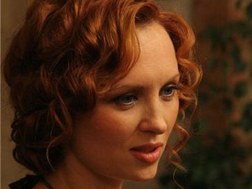Елена Ксенофонтова во время съемок фильма «Осенние заботы»