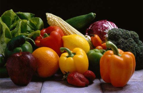 Помидоры, болгарский перец, брокколи и морковь раскрасят весенее меню.