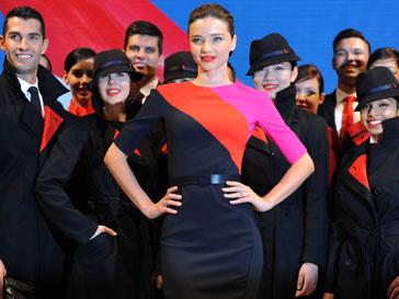 Миранда Керр (Miranda Kerr) на показе униформы авиакомпании Qantas