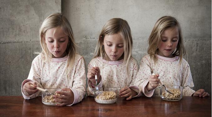 «Оптом не дешевле»: особенности воспитания близнецов