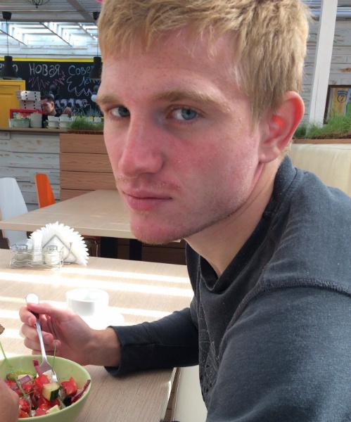 Сергей Маслов в кафе «Тарелка»