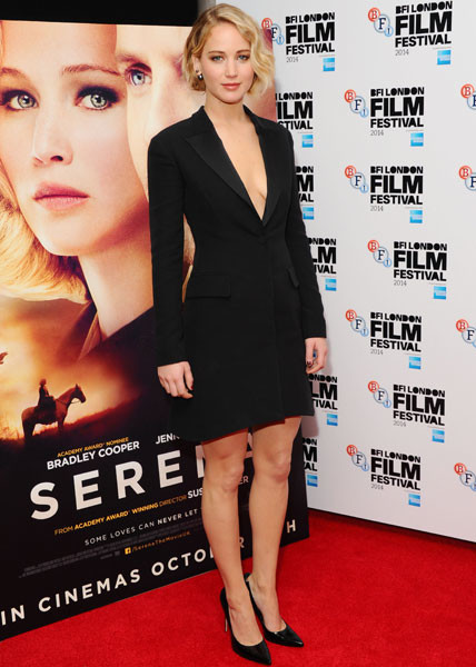 """Дженнифер Лоуренс на премьере фильма """"Серена"""" на Лондонском кинофестивале"""