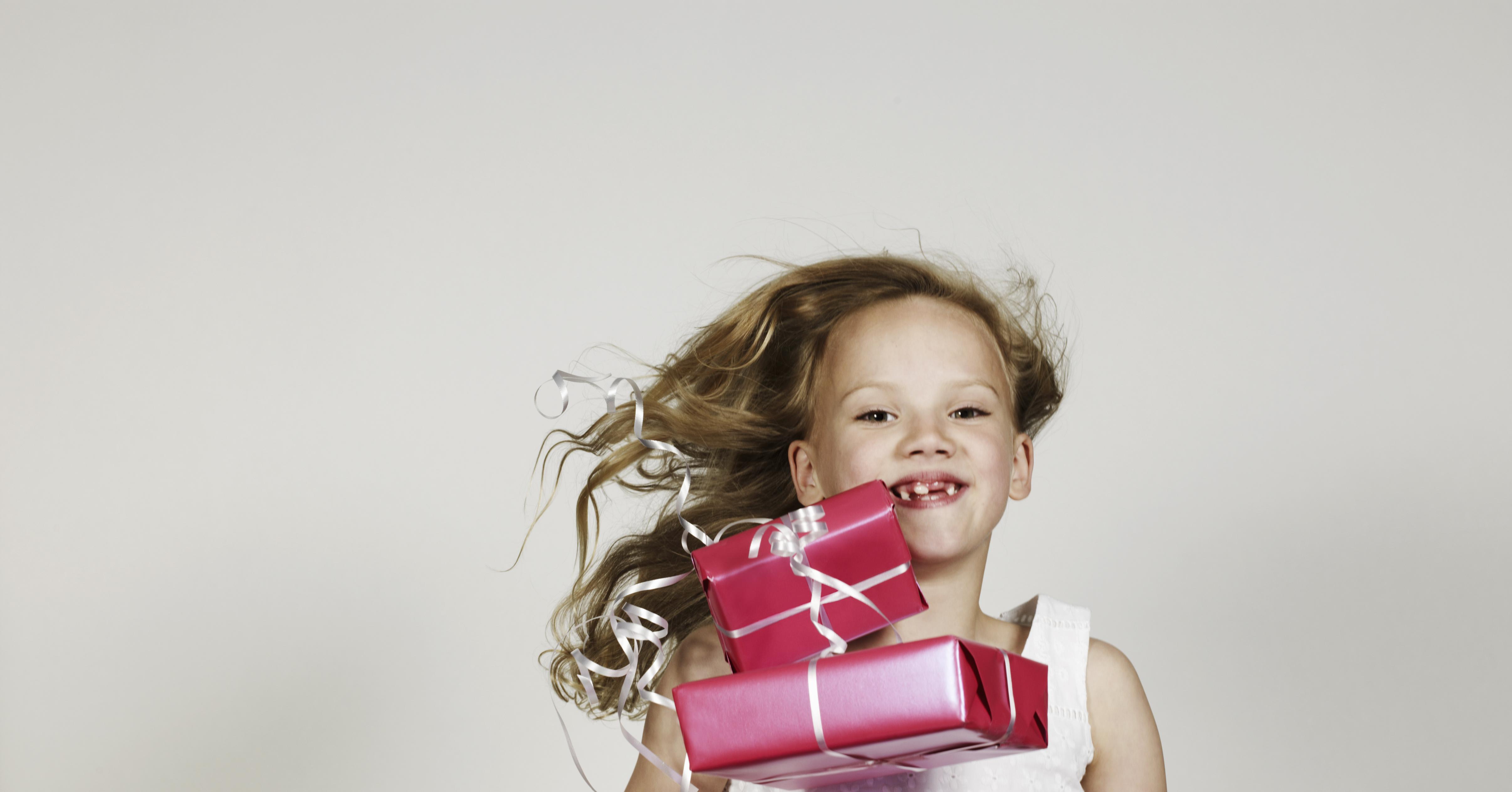 Что подарить на рождение девочки: дочери, дочки, внучки? 72