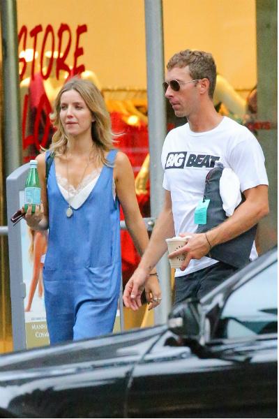 Крис Мартин начал встречаться с актрисой Аннабель Уоллис