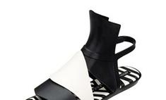 Гарет Пью создал пластмассовую обувь для Melissa