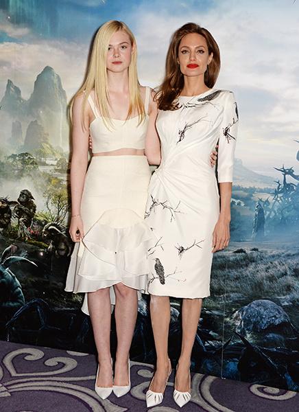 Анджелина Джоли и Элль Фаннинг на фотоколе в Лондоне