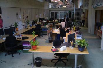 В компании работает около 50 сотрудников. Для сравнения, в Facebook сегодня трудится около 700 человек.