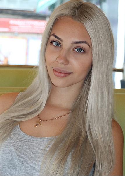 zvezda-krasivaya-blondinka-seks-intelligentnih-lyudey-video-smotret