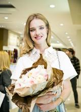 Наталья Водянова прилетела на пару часов в Москву