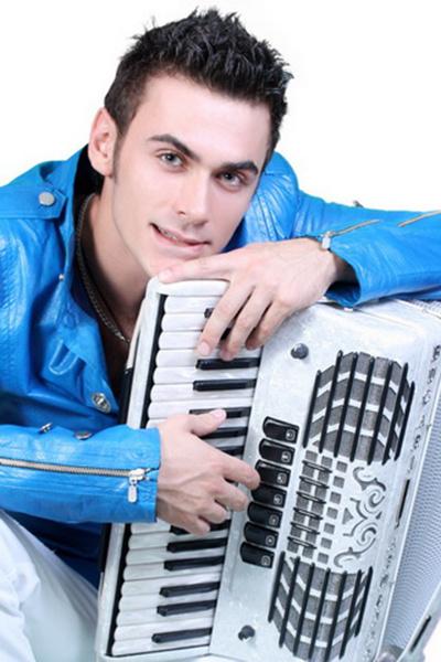 аккордеонист Петр Дранга