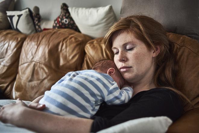 как уложить ребёнка днём спать