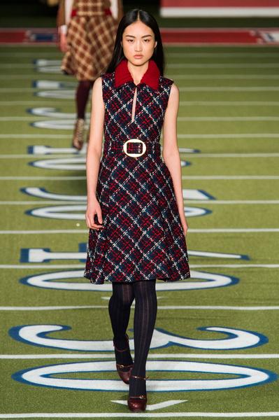 Показ Tommy Hilfiger на Неделе моды в Нью-Йорке | галерея [2] фото [27]