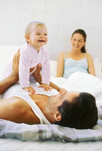 Если право стать родителем дается нам по рождению, то навыки мы приобретаем уже в процессе воспитания ребенка.