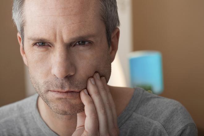 Что делать, если чувствительные зубы болят?