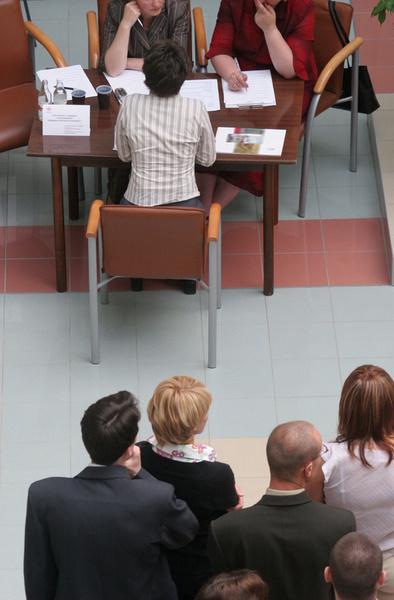 Почти все соискатели, описывая свое взаимодействие с кадровыми агентствами, используют слово «волокита».