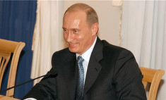 Владимир Путин исполнил обещание научиться кататься на коньках