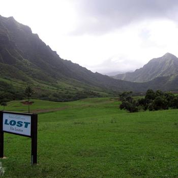 В этом месте снимали множество знаменитых фильмов, но сейчас здесь красуется табличка с надписью Lost.