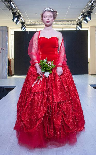 Фестиваль красоты Ural Beauty Fest, коллекция свадебных платьев Заза Амаров, фото