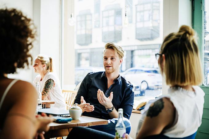 Онлайн-курс Psychologies «Говорить и убеждать: как располагать к себе людей»