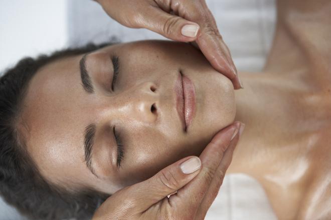 Что дает массаж лица