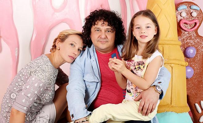 Игорь Саруханов с семьей: фото