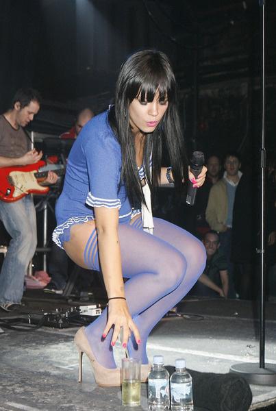 Концерт Лили на сцене ночного клуба «G-A-Y», Лондон, Великобритания, 1 февраля 2009