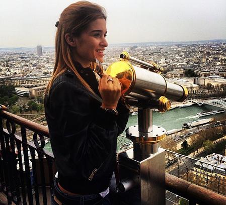 Муж Бородиной устроил ей каникулы в Париже