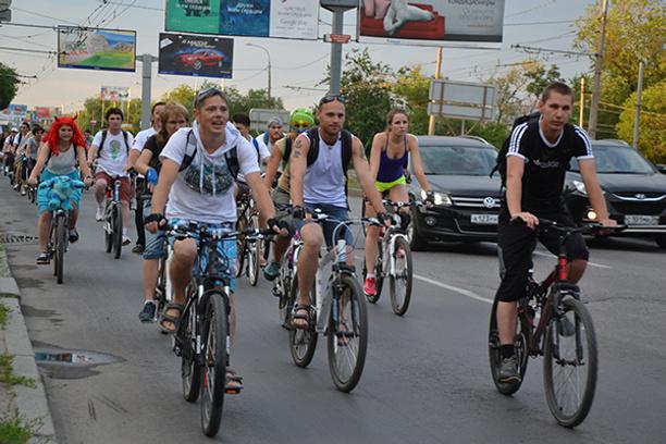 Необычный велопарад собрал порядка 200 человек
