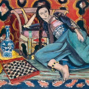 Чувственная серия картин «Одалиски» кисти Анри Матисса изображает облаченных в экзотические наряды женщин на декоративном фоне.