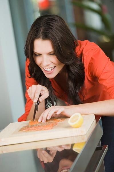 режем лосось