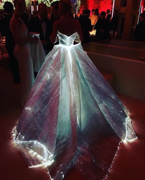 Платье-светлячок от Zac Posen